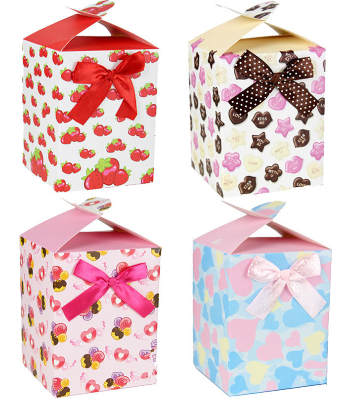 Упаковка подарков в бумагу