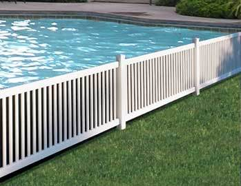 Barri re blanche de piscine de swimmimg de barri re de pvc for Barrieres de jardin en pvc