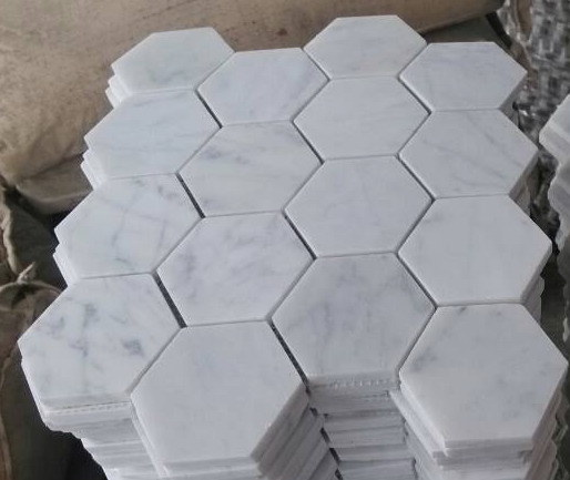 Mosa que en marbre blanc carrara hexagonal 3 photo sur for Carrelage hexagonal marbre