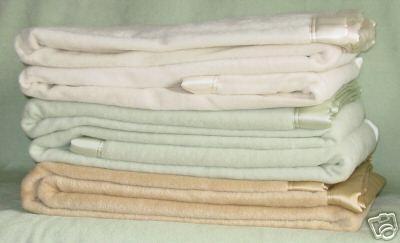 la couverture de soie de 100 a lav par machine la couverture de soie de 100 a lav par. Black Bedroom Furniture Sets. Home Design Ideas