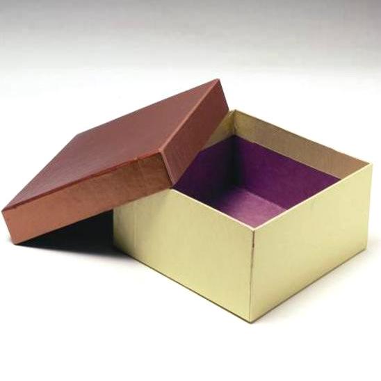 Коробка из твердого картона