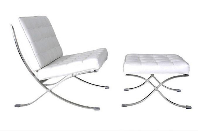 De de witte stoel en ottomane van barcelona van het leer for Witte eames stoel