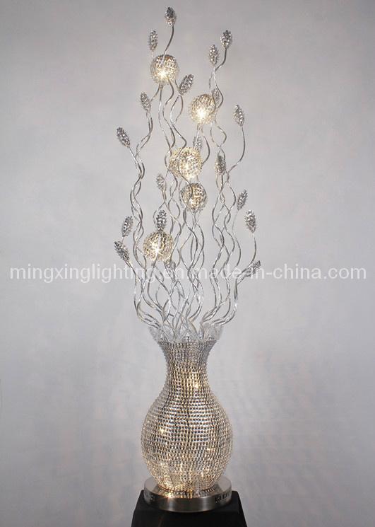 Belle lampe d 39 tage de fleur du m tier 2013 en aluminium for Belle lampe de salon