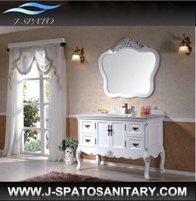 Foto de muebles cl sicos antiguos blancos imperiales de la for Muebles de cuarto de bano antiguos