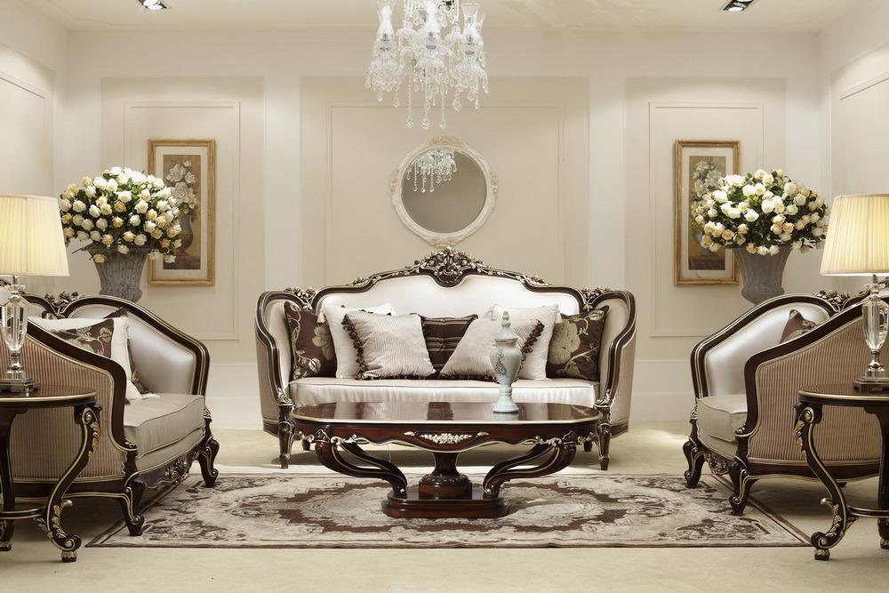 Foto de sistema de madera cl sico del mueble sof de la for Muebles de sala tallados en madera
