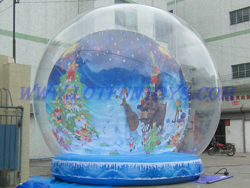 Pics photos inflatable christmas snow globe