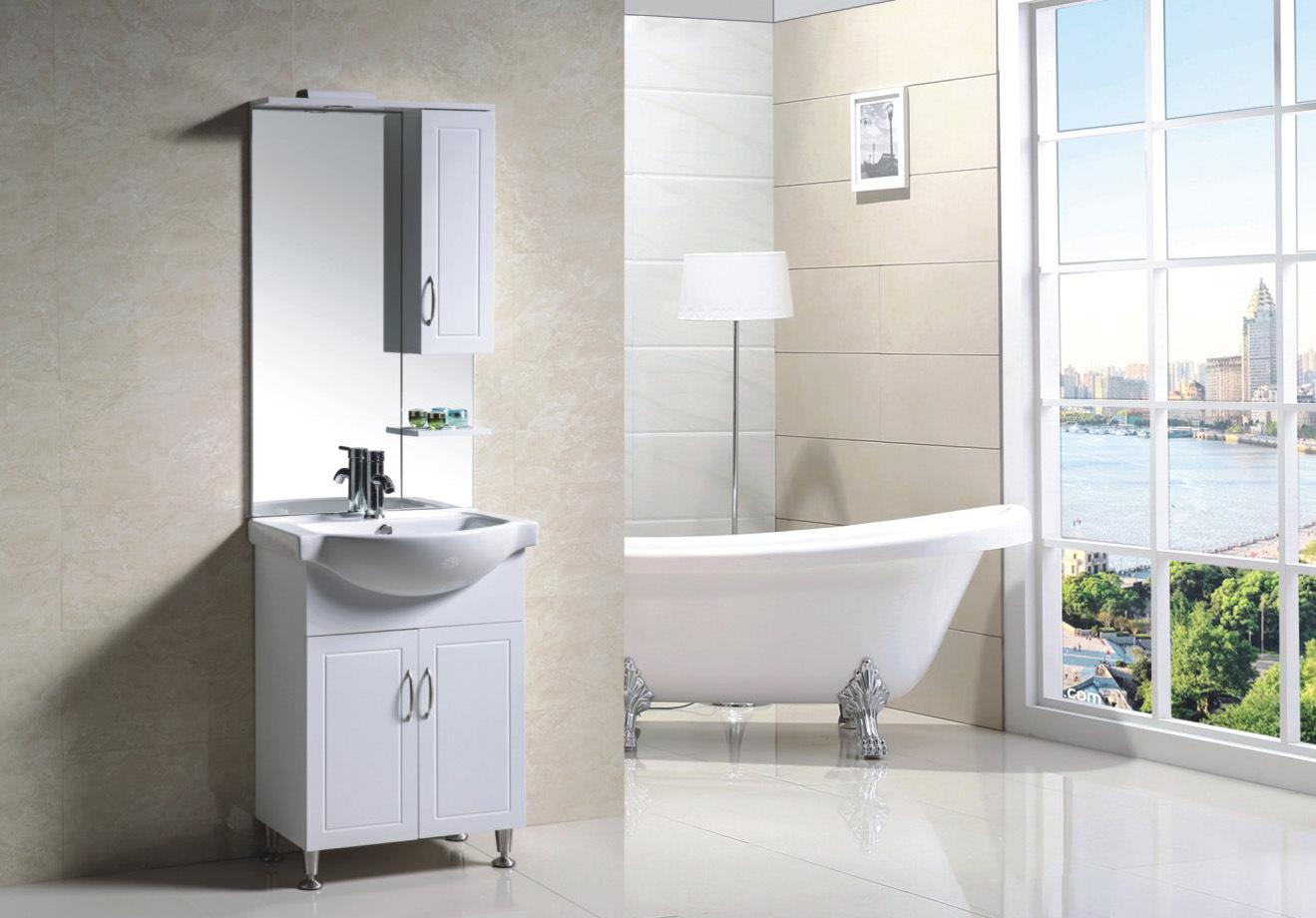 Foto de cabina reflejada cuarto de ba o de los muebles del - Cabina de bano ...
