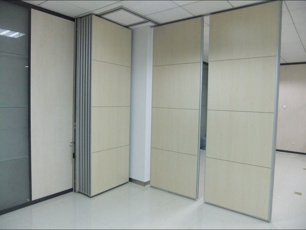 Muri divisori del divisorio della parete del tessuto dell'ufficio ...