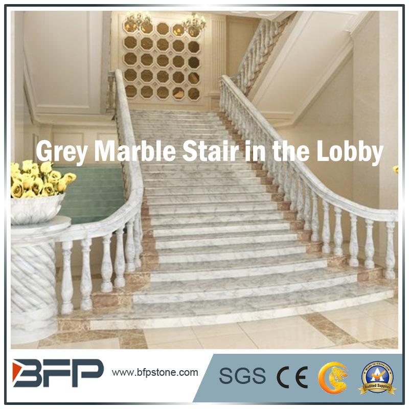 Foto de escaleras de piedra de m rmol grises paso de for Marmol para escaleras precio