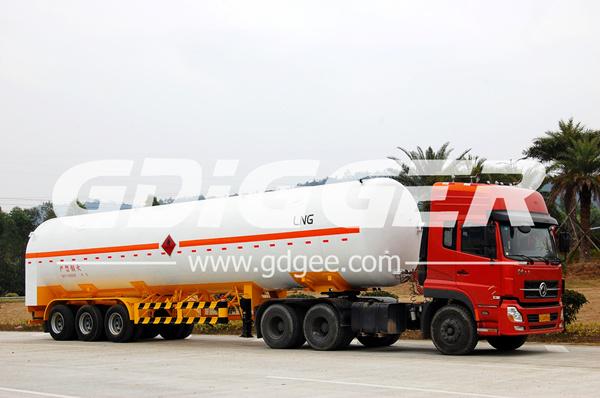 El Tanque De Almacenaje De Gas Natural De Asme Del Carro
