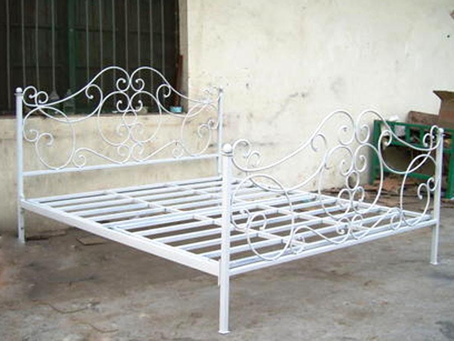Cama del hierro cama del hierro proporcionado por for Cama hierro