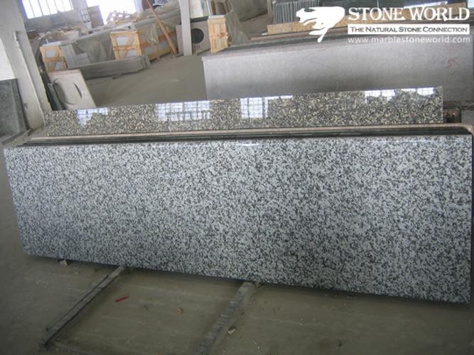 Foto de gris granito piedra vanidad top encimeras de for Piedra de granito precio