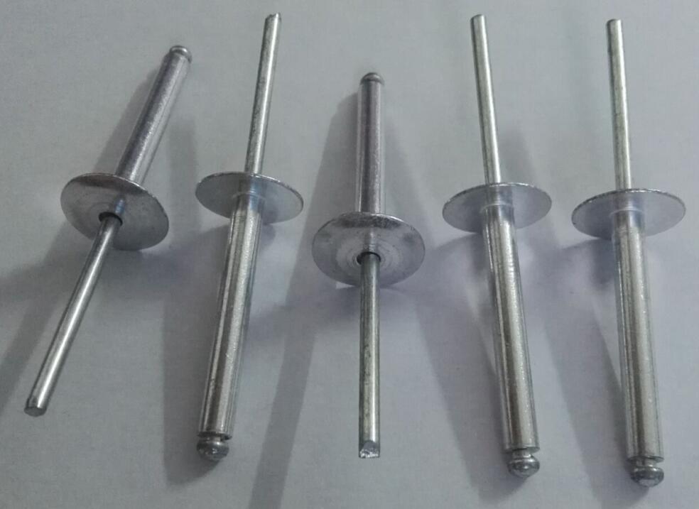 Foto de remache grande de acero de aluminio de las for Precio de remaches de aluminio
