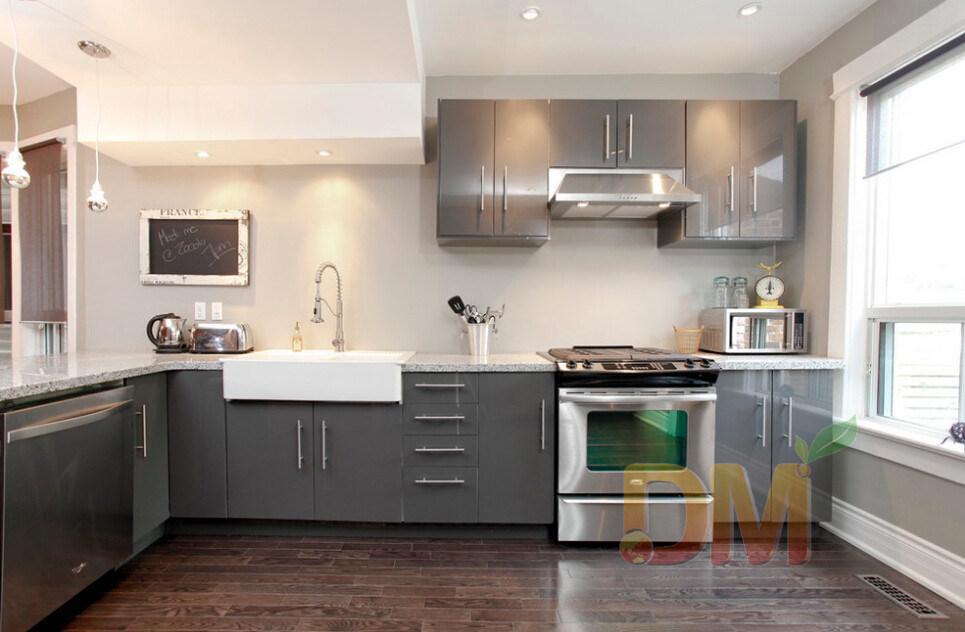 Foto de gabinetes grises de los muebles del gabinete de for Colores para gabinetes de cocina