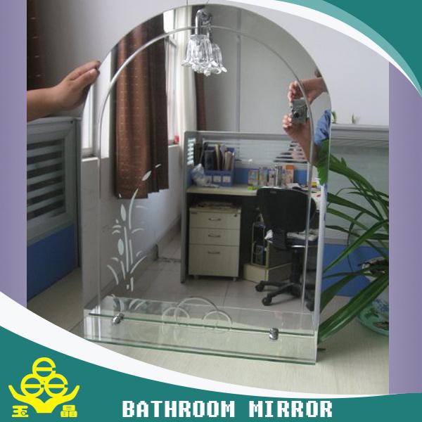 Specchio D 39 Argento Della Stanza Da Bagno Con Luce