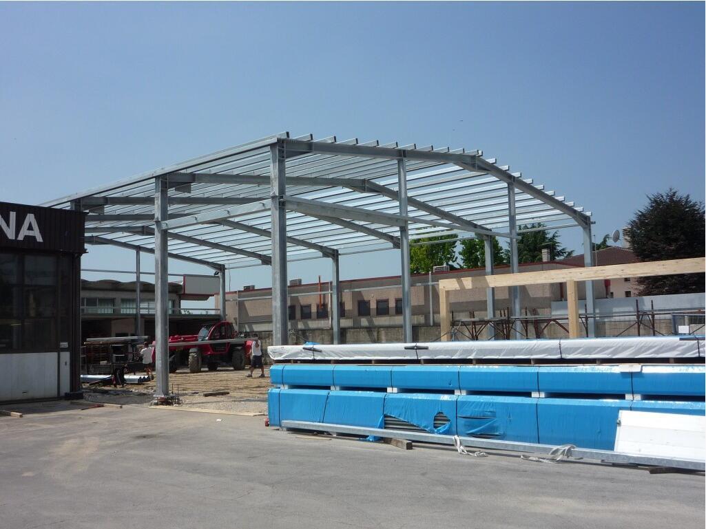 Prefabricated 물결 모양 금속 박판 구조 창고 또는 작업장 또는 가금 ...