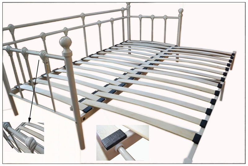 Metall daybed mit bend base foto auf de made in for Einzelbett metall