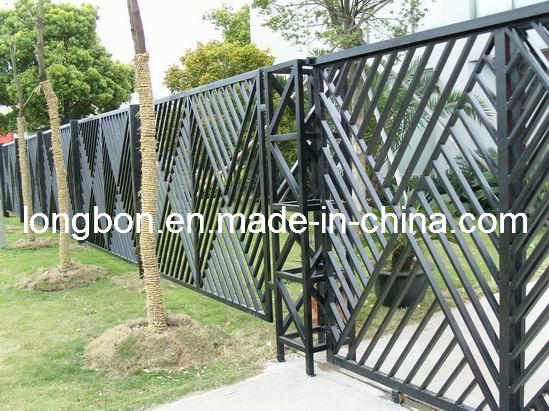 cerca de jardim ferro:Modern Wrought Iron Fence Designs