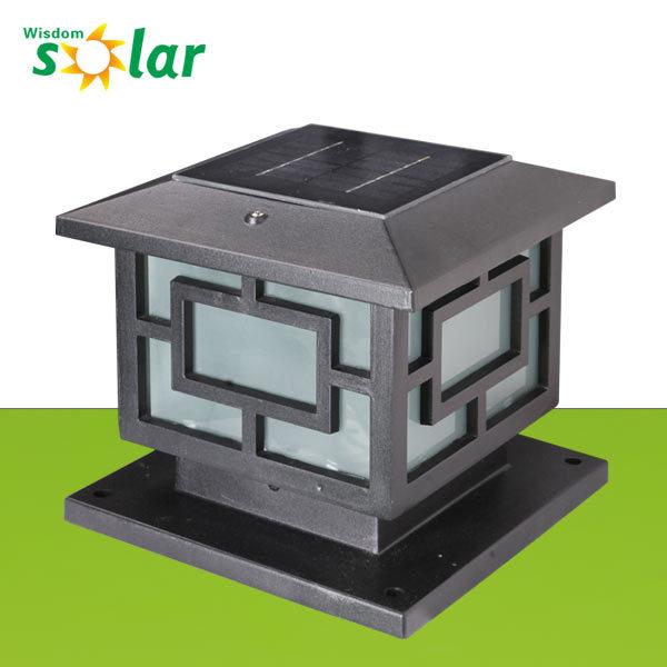 Clairage solaire l ger solaire en gros de pilier de for Lampe solaire pour portail