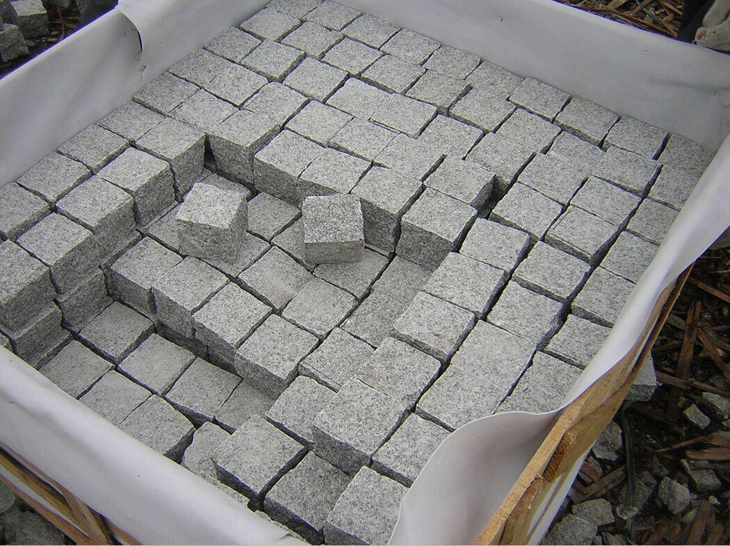 Granito gris para pavimentar suelo exterior del cubo for Suelo de granito
