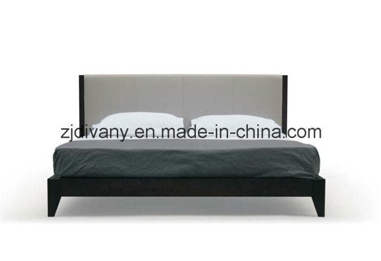 Foto de cama matrimonial de madera del estilo de los muebles ...