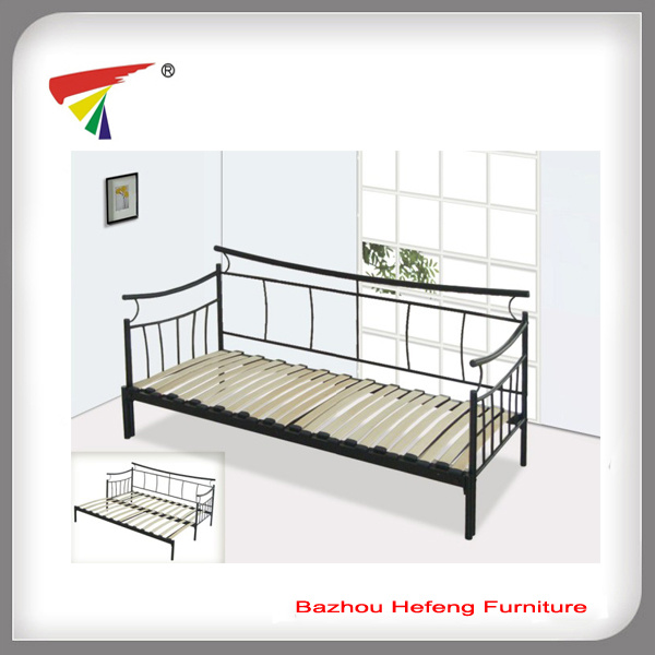 tagesbett moderne m bel h lzernes bett sofa db002 foto auf de made in. Black Bedroom Furniture Sets. Home Design Ideas