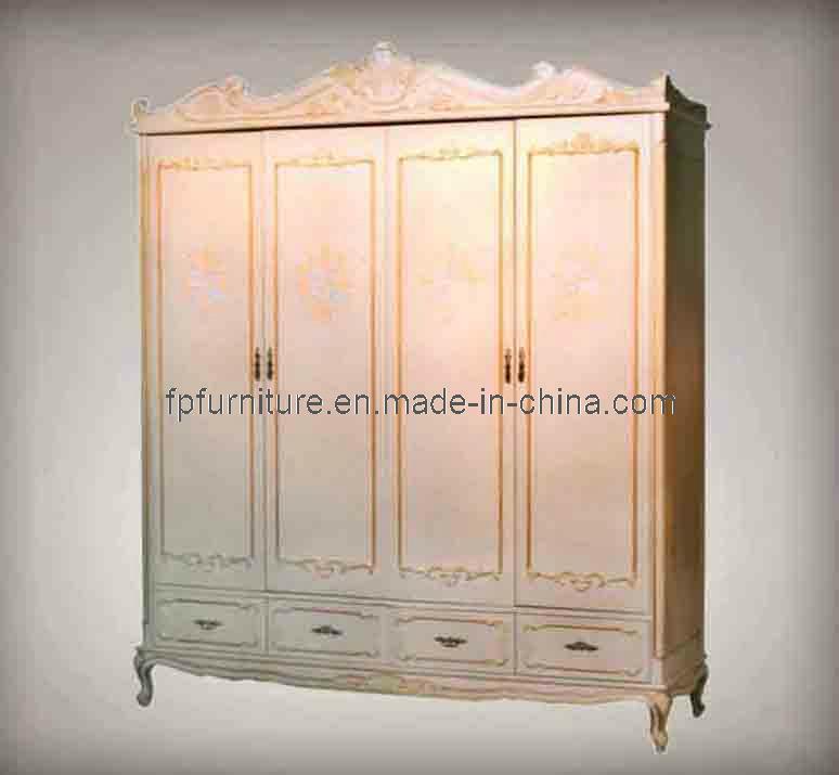 Muebles barrocos franceses guardarropa de la puerta de for Muebles franceses
