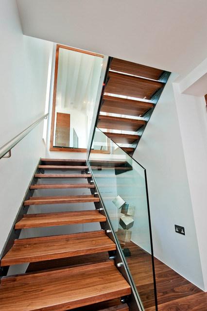 "Foto de diseño de madera en forma de ""u"" de la escalera de madera ..."
