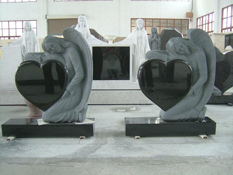 De zwarte grafsteen desings van het hart van de engel van for Door het hart van china