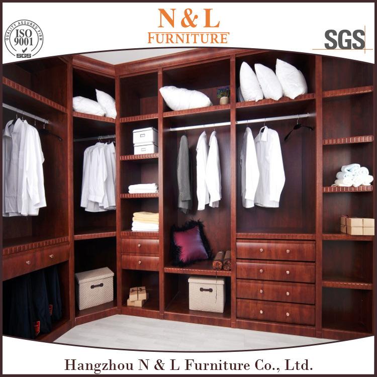 muebles modernos del dormitorio que resbalan el guardarropa de madera de las puertas del espejo