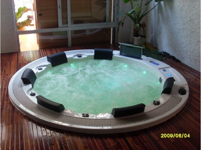 6person station thermale ronde jacuzzi rond hottub rond. Black Bedroom Furniture Sets. Home Design Ideas