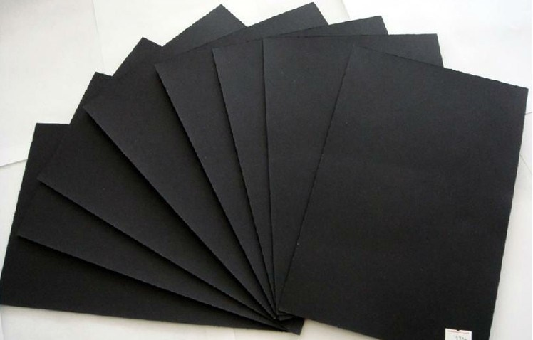 Papel negro de la cartulina hojas negras de la cartulina for Papel de pared negro