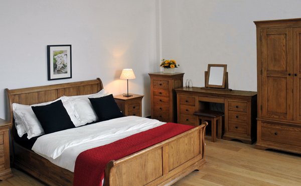 Sinoah range solid oak bedroom furniture sets wooden