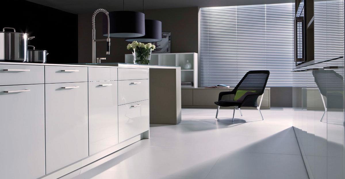 Foto de muebles americanos brillantes populares de la cocina del ...