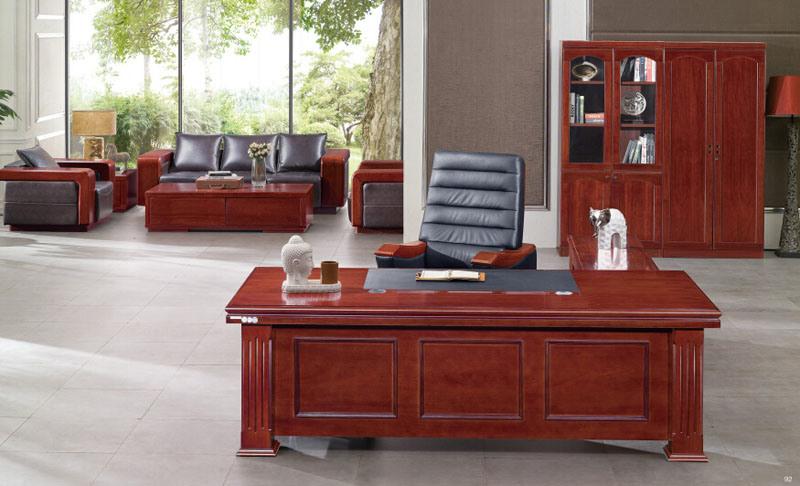 Foto de la oficina tabula los escritorios ejecutivos for Escritorios de madera para oficina
