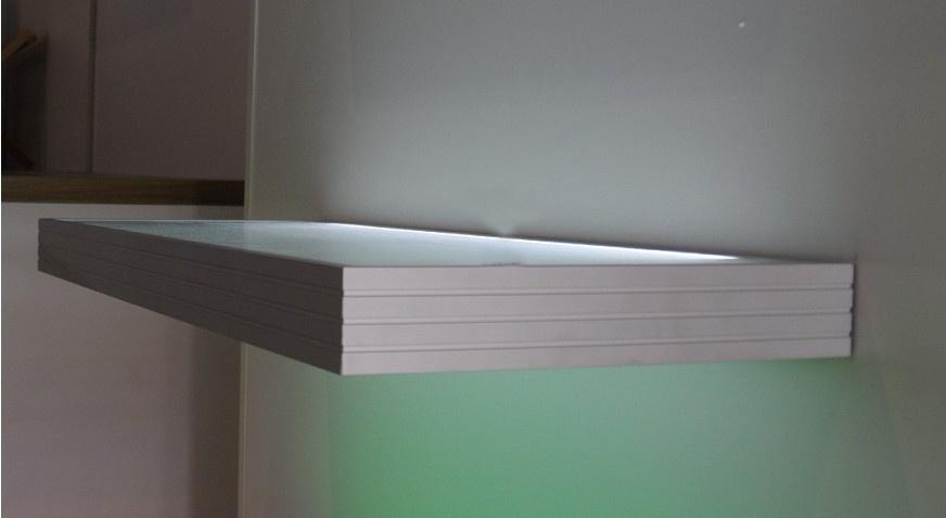 Glazen Boekenplank. De Doos Van De Leidene Plank Van De Keuken Voor ...