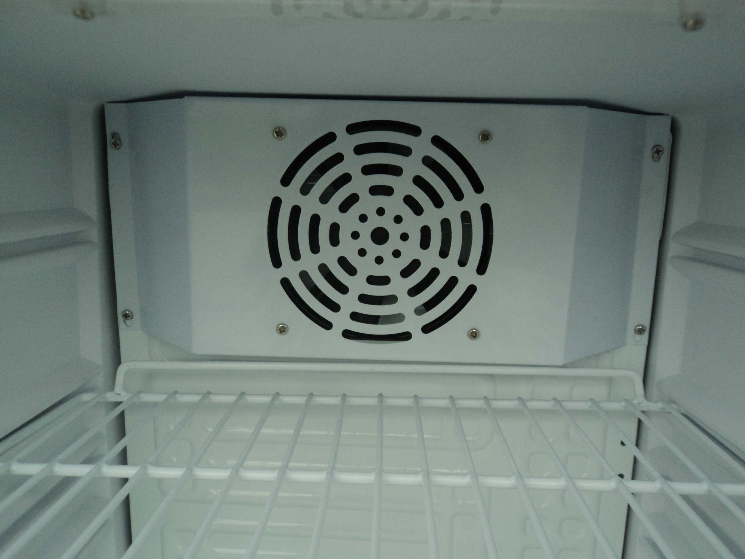 Piccolo frigorifero freddo del mini di birra frigorifero brandnew ...