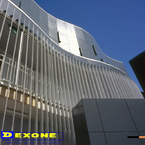 Parete divisoria della persiana di ventilazione esterna for Finestra motorizzata prezzo