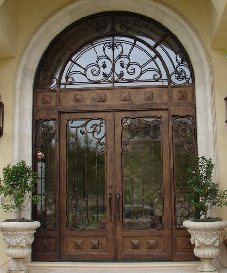 Puerta de entrada del hierro con el vidrio puerta de for Puertas de entrada de hierro