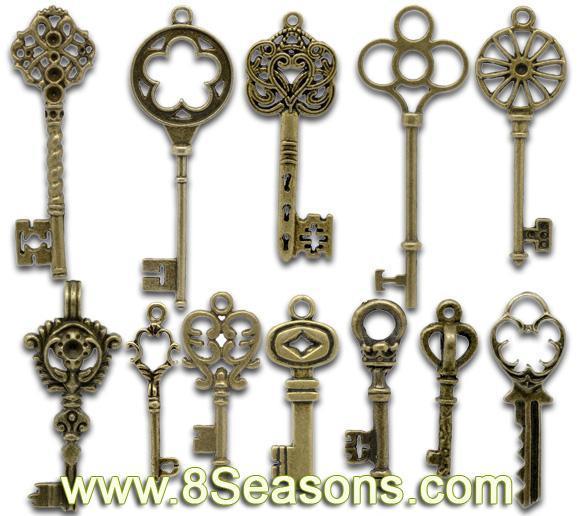 La llave de bronce antigua mezclada encanta los colgantes - Llaves antiguas de puertas ...