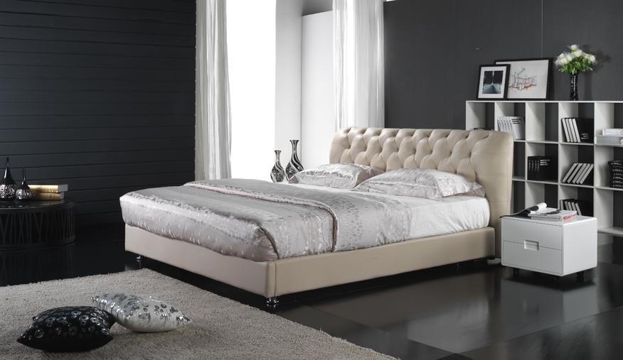 Lit en cuir d 39 unit centrale de meubles mous 6016 photo for Meuble unite centrale