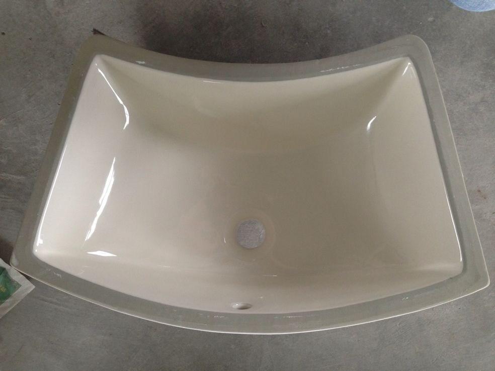 Lavabo de cer mica coloreado de la encimera del cuarto de for Lavabos de ceramica