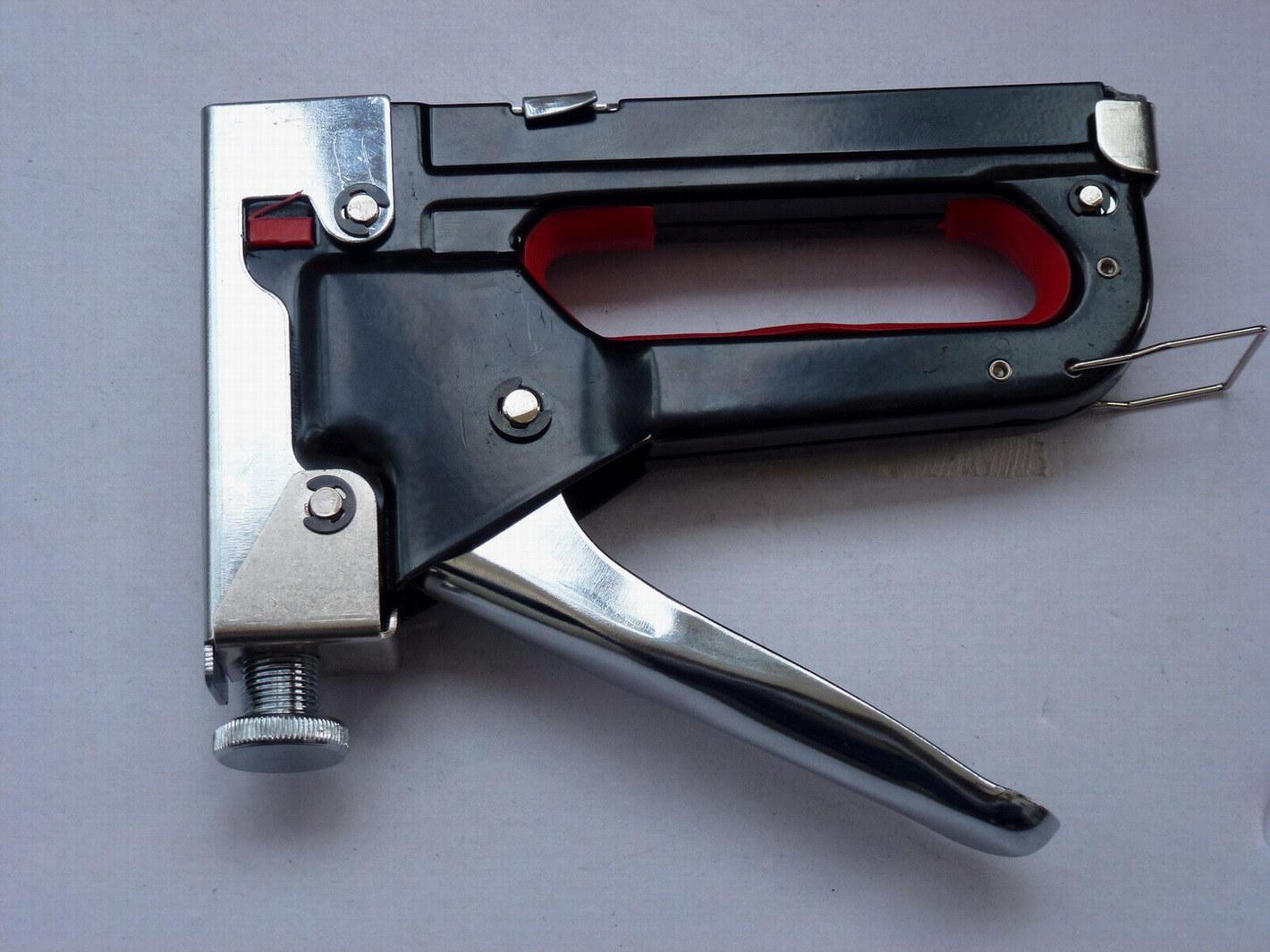 Pistolet professionnel d 39 agrafe et d 39 ongle yy 1301 pistolet professionnel d 39 agrafe et d 39 ongle - Pistolet a clou ...
