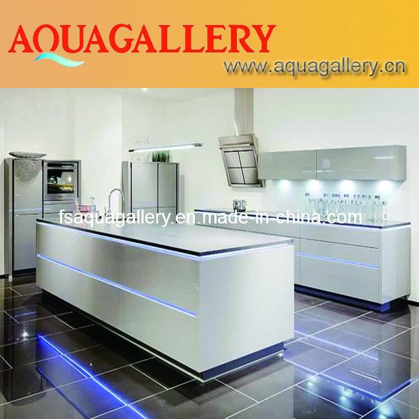Cabinas de cocina modernas blancas del alto lustre agk for Gabinetes de cocina blancos