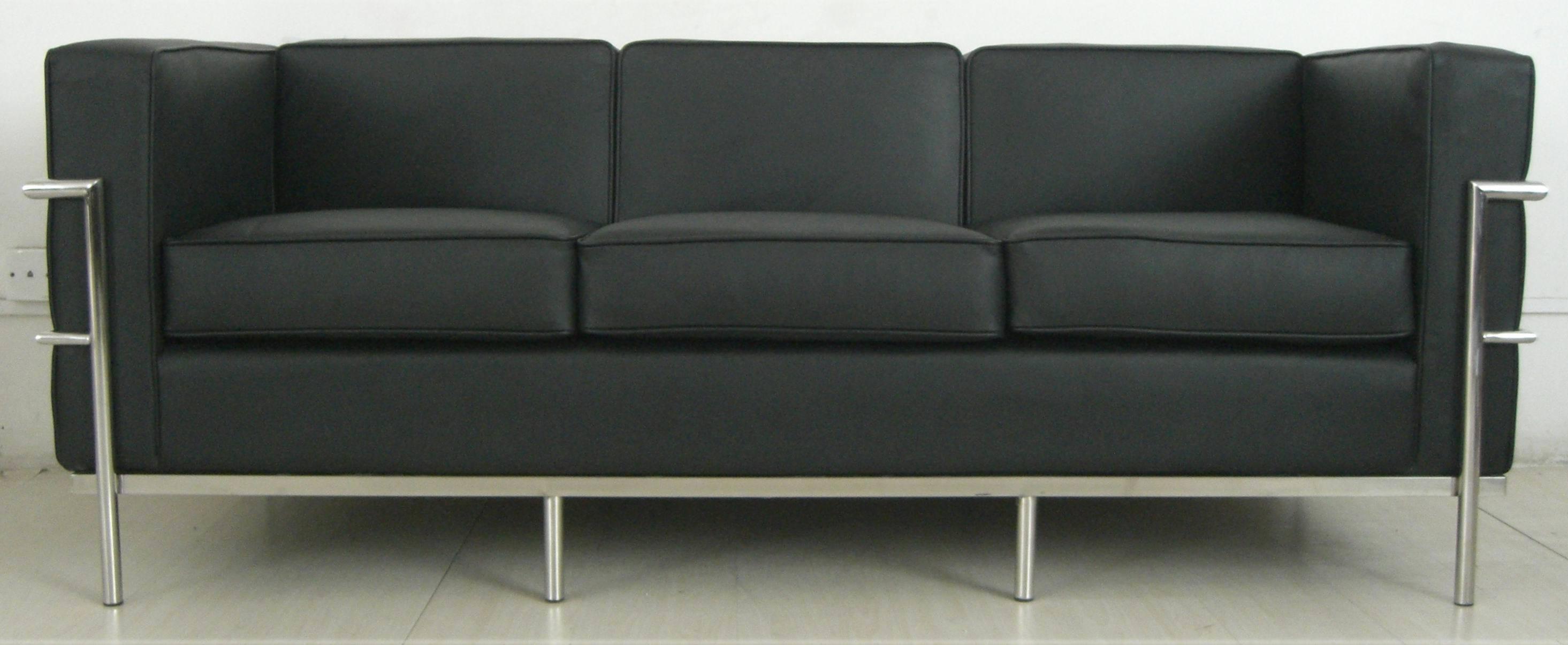 Sofa en cuir sofa lc2 de le corbusier sofa en cuir for Le corbusier sofa nachbau