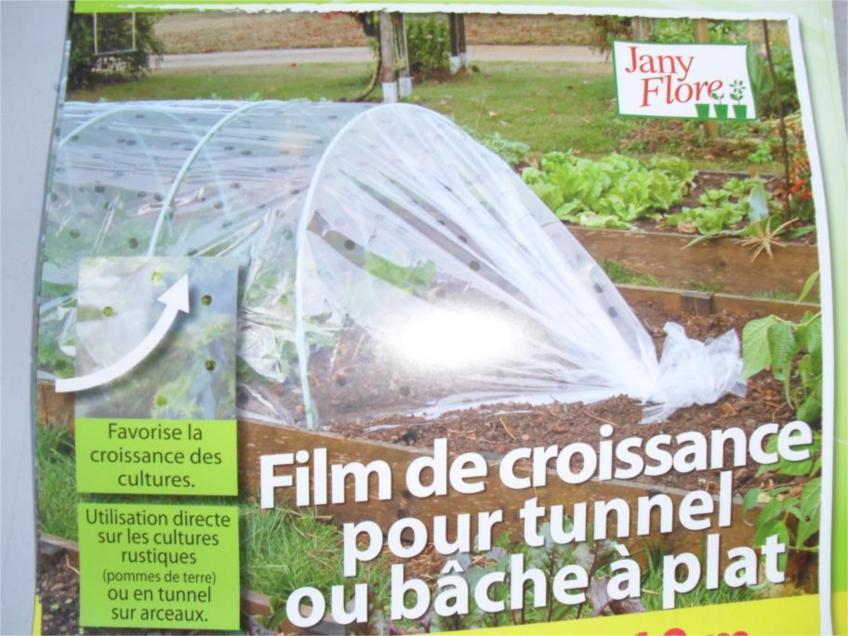 Film agricole en plastique transparent de paillis utilis - Les produits menagers utilises dans le jardin ...