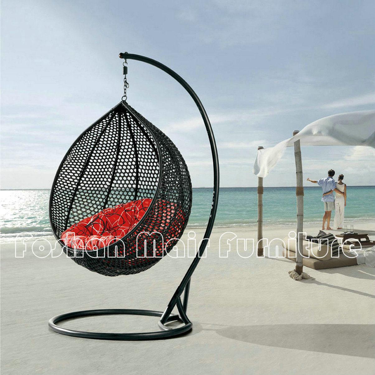 Stoel van de schommeling van het ei van de tuin van de rotan de hangende stoel van de - Rotan stoel van de wereld ...