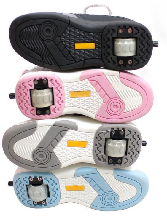 chaussures d 39 un rouleau de roue avec le bouton nx 9. Black Bedroom Furniture Sets. Home Design Ideas