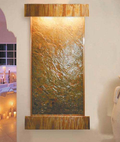 Cascadas de interior de las ca das de la fuente de la for Fuentes de pared interior