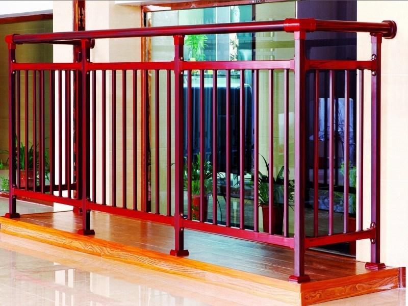 rambarde en bois rouge de balcon de texture rambarde en. Black Bedroom Furniture Sets. Home Design Ideas